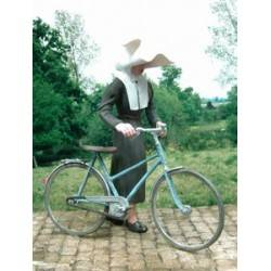 Nun with Bicycle MK35 F139