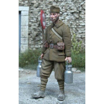 French Soldier w/Milk Canisters MK35 F205