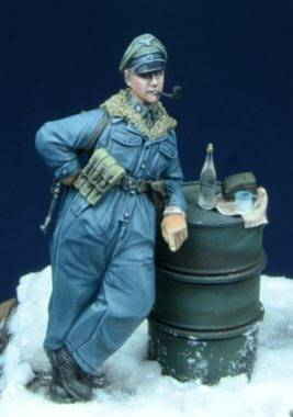 SS Officer Smoking Pipe D-DAY 35007