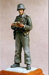German Pz Officer w/map H&W GH29
