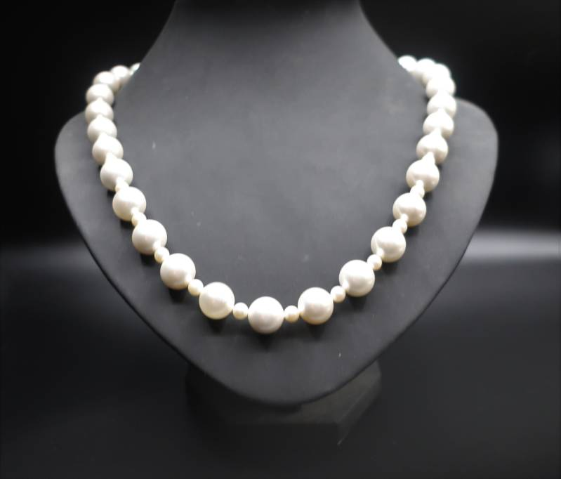 Collier Creamy Pearls