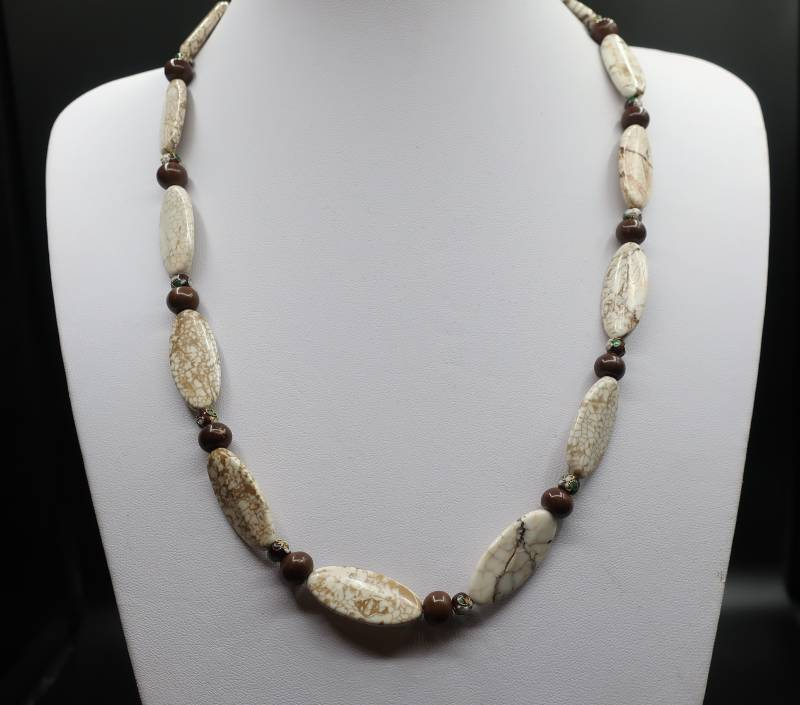 Collier Ivory Howliet