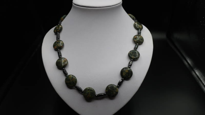 Collier Chinese Ryolite Coin