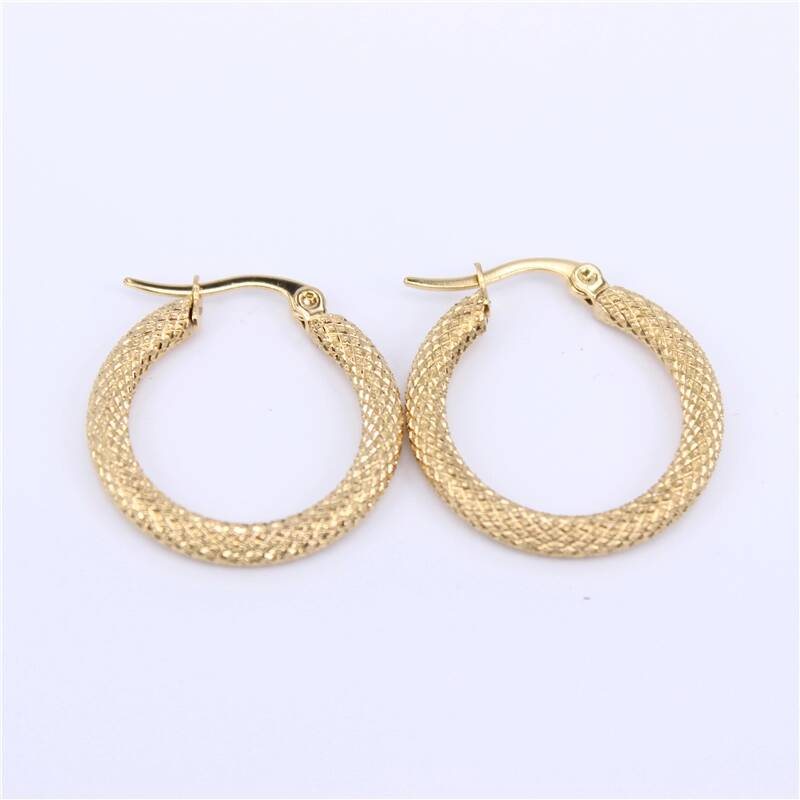 Hoop earrings | checkered pattern big gold