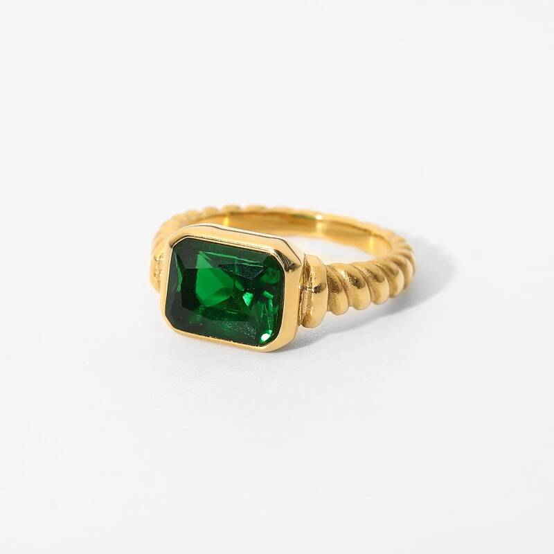 Vintage look ring | gold green