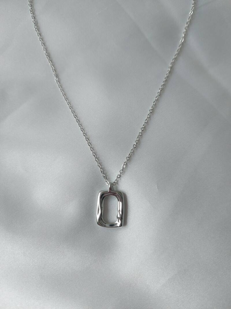 Necklace lined rectangle | zilver