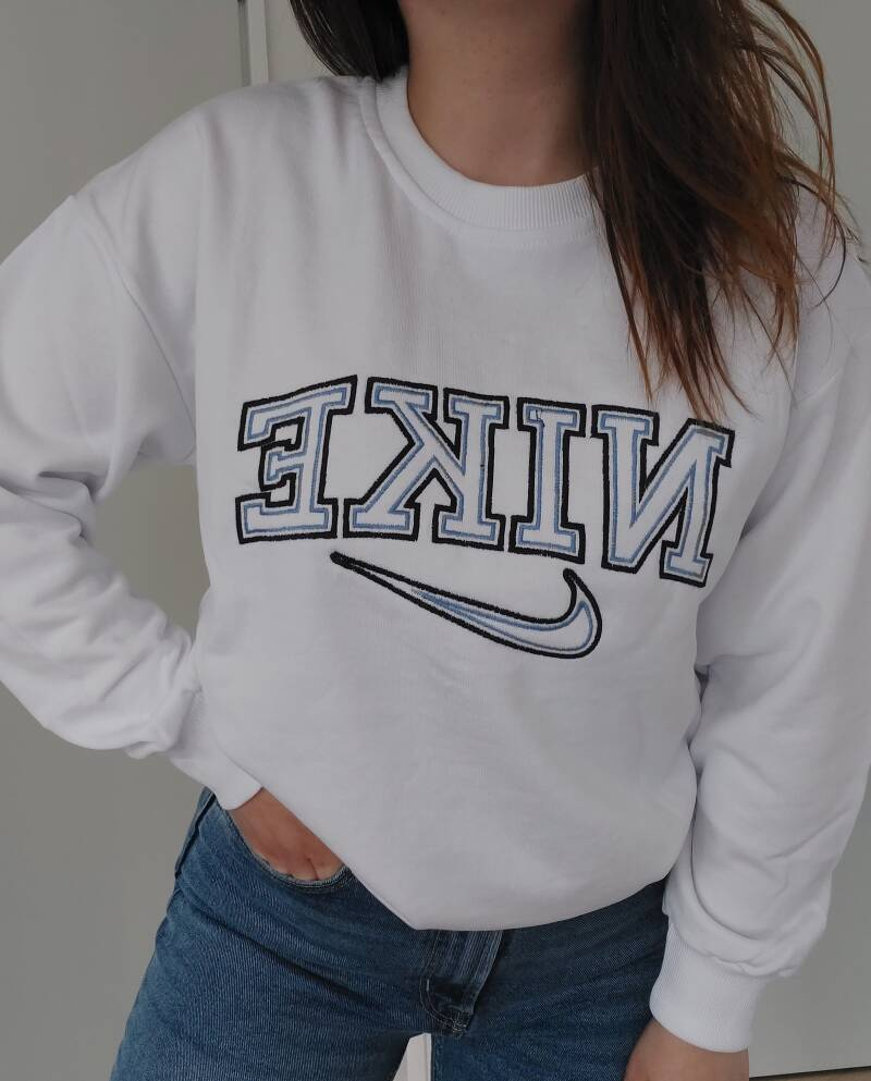 Limited sweater   wit