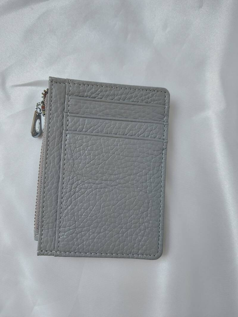 Pasjeshouder simple   grey real leather