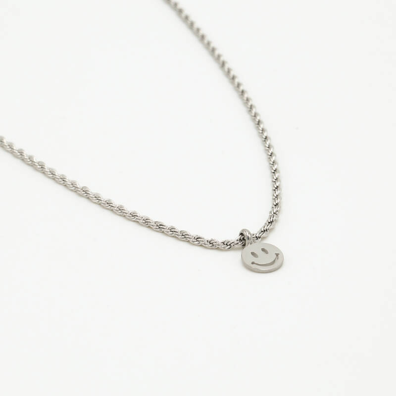 Small twisted necklace smiley   zilver
