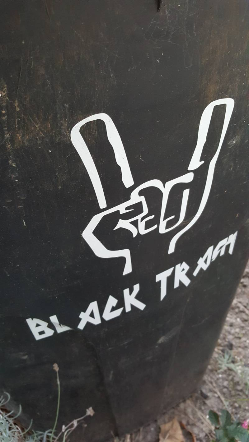 Kliko sticker black trash