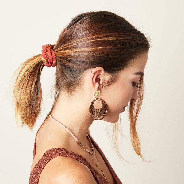 Scrunchie golden feather roest