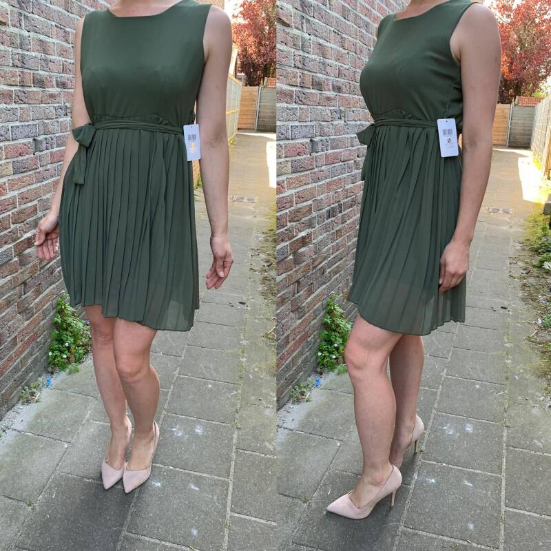 Pleated dress military green ( One size fits all )