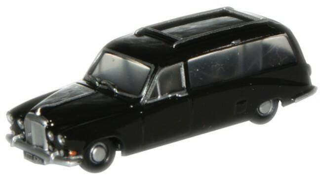 DAIMLER DS420 Black hearse