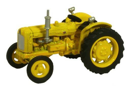 FORDSON TRACTOR geel