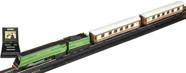 GOLDEN ARROW - Z GAUGE - GREAT TRAINS OF THE WORLD