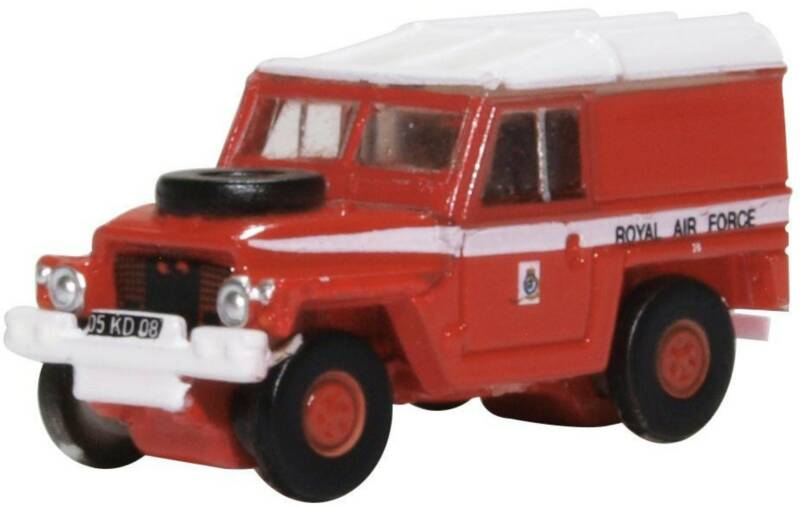 Land Rover LIGHT WEIGHT RAF (RED ARROWS)