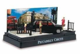 Piccadilly Circus diorama with a Austin Taxi