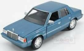 Plymouth Reliant, blue
