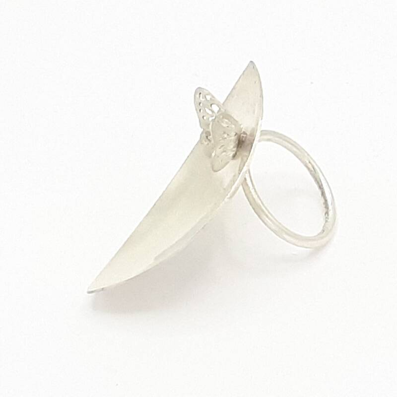 Ring Leaf with butterfly