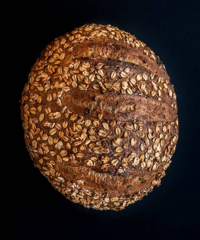 Seeded Zuurdesembrood