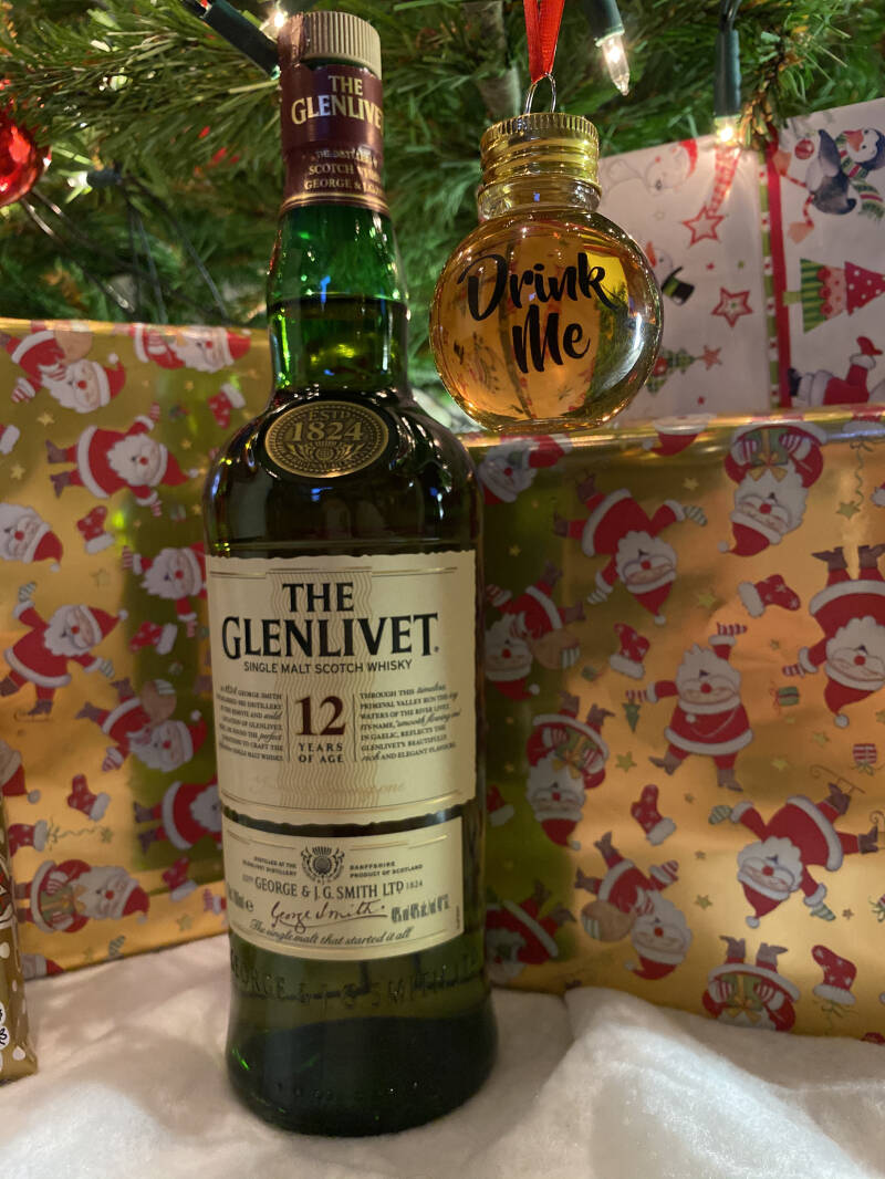 Whisky Kerstbal The Glenlivet 12 Years Old Whisky