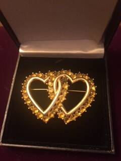 1950s Brass & Yellow Diamante Sweethearts Brooch - Now €30