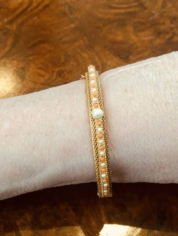 Glamours Gilt, Faux Pearl & Coral Coloured Beaded Bangle