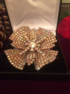50s Gorgeous Diamante Flower Brooch with Large Centre Stone