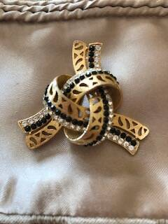 1970s Gilt, Jet and Diamante Knot Brooch