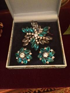 1950s Stunning Blue Crystal and Diamante Brooch and Earrings