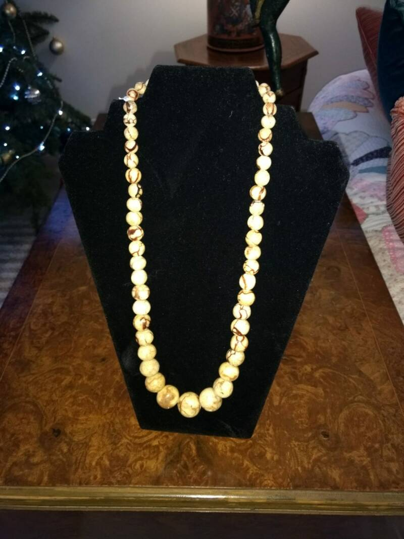 Remarkable 1950s Marble Single String Beads