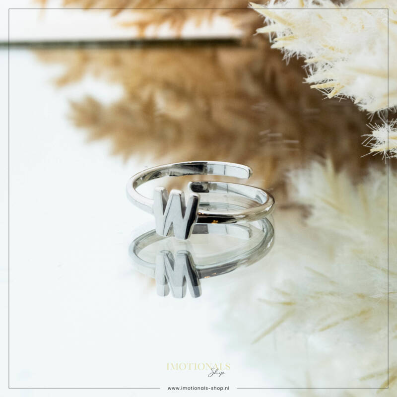 Imotionals One Size  Ring Zilver of Goudkleurig Letter W