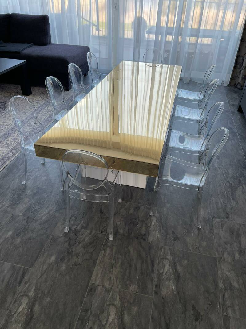 KIDS TABLE + CHAIRS