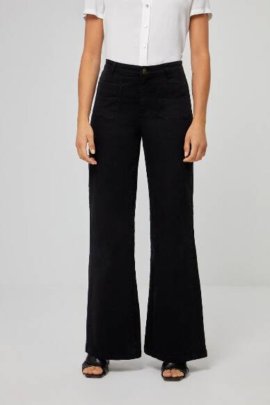 Wide trousers with front pockets - Black