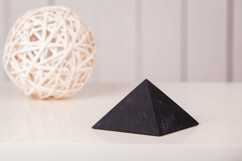 Shungite Piramide