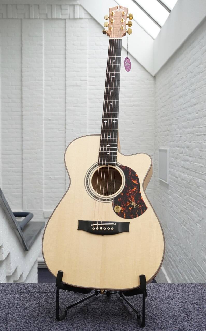 Maton EBG-808C MicFix, Michael Fix signature model