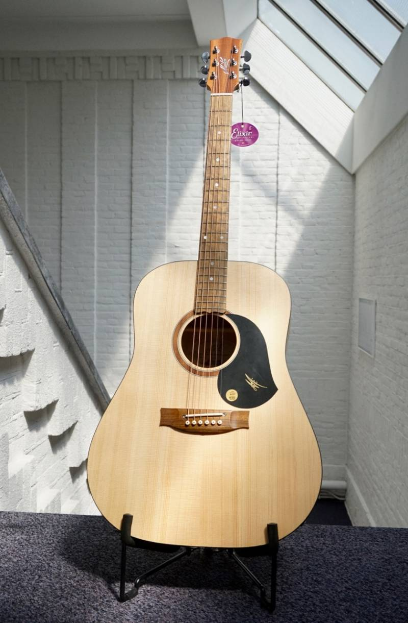 Maton SRS 60 dreadnought