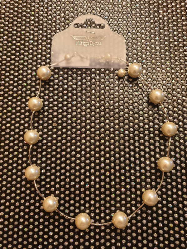 creme witte parelketting