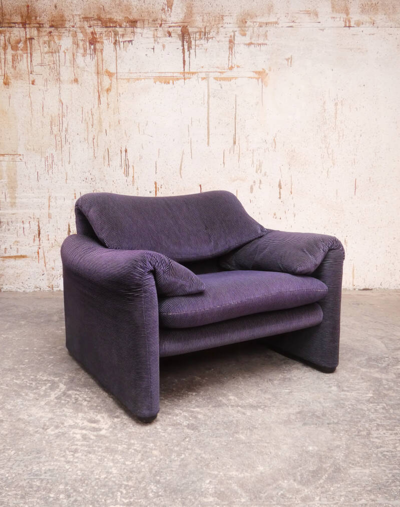 2 Cassina Maralunga bicolore purple-black 1 seater