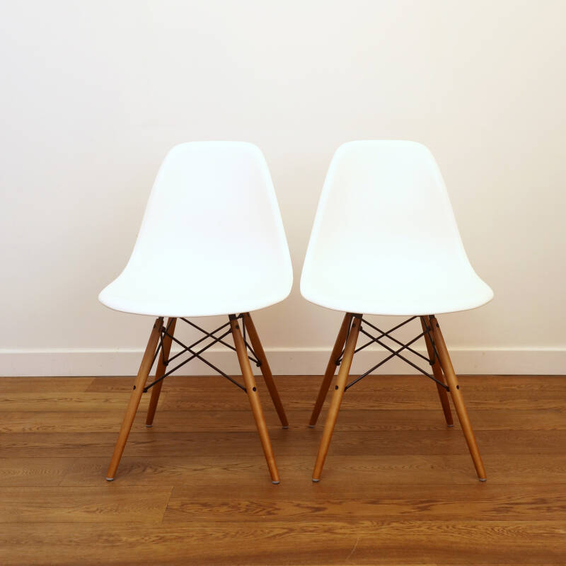Pair DSW Eames chairs