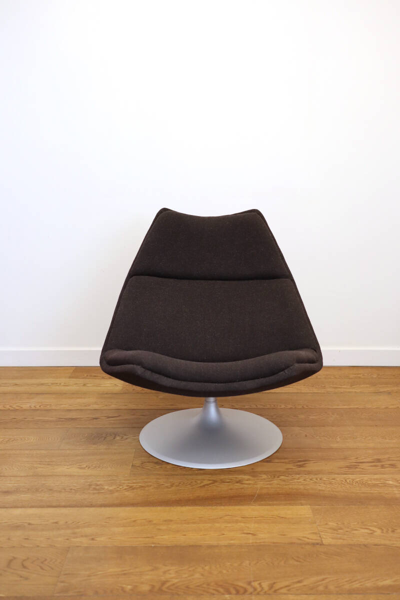 Artifort F511 lounge chair