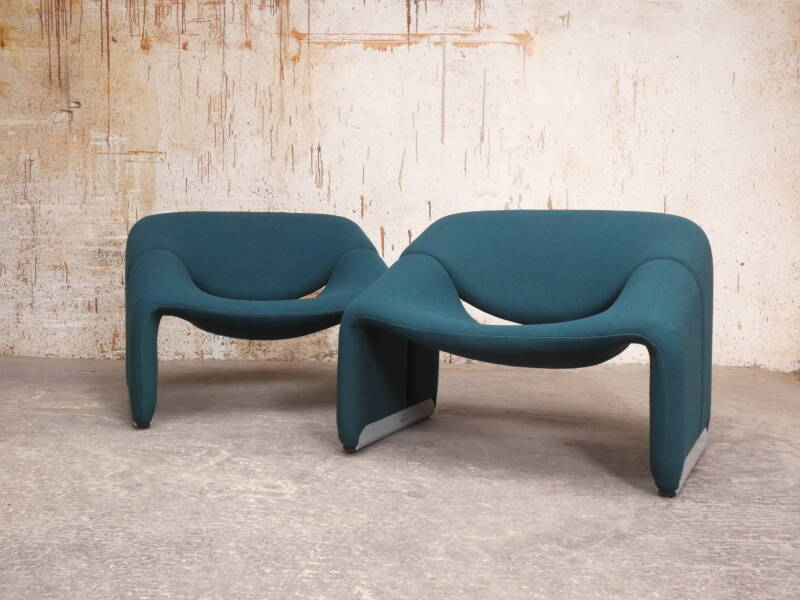 Pair of Artifort F598 or 'M-chairs' by Pierre Paulin