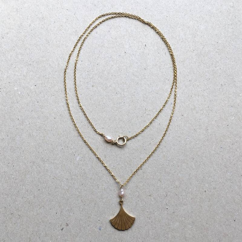Ginko pearl necklace