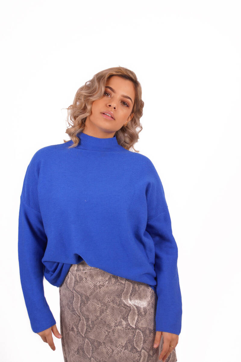 Turtle neck blue sweater