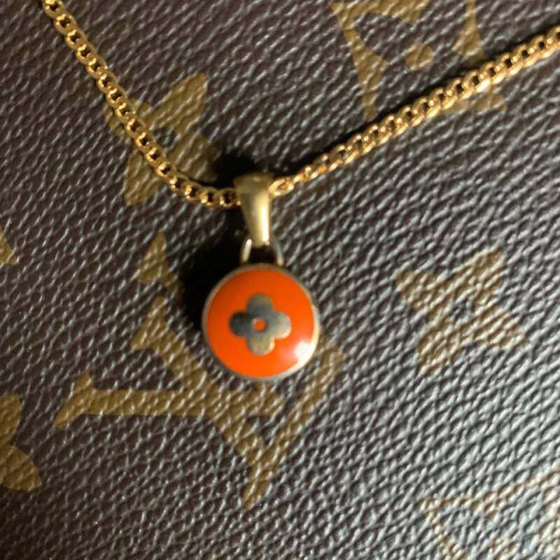 Ketting Louis Vuitton oranje bedel