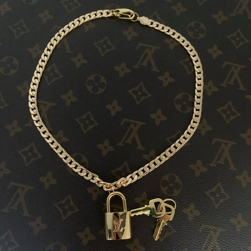 Ketting Louis Vuitton padlock 315  goud