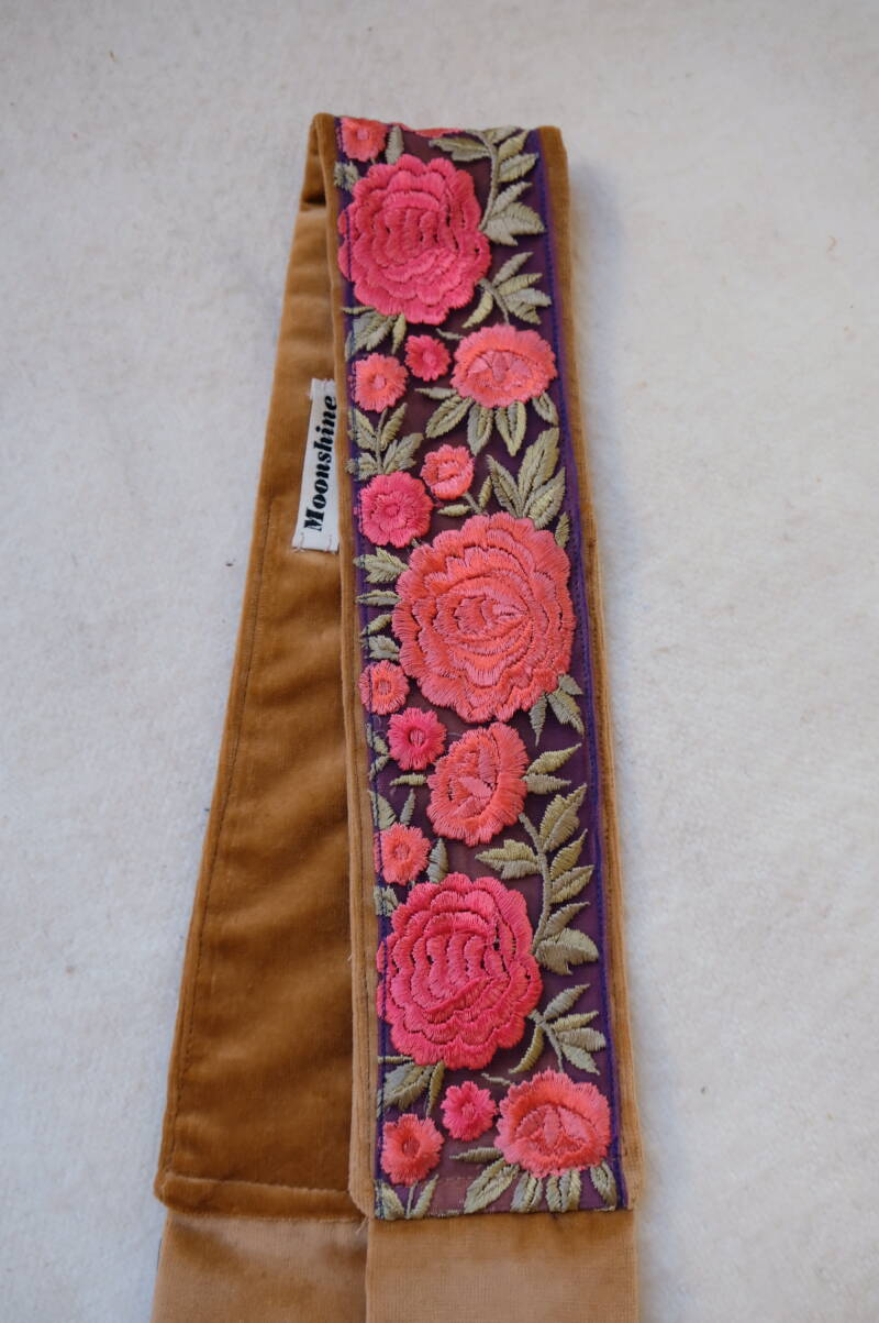 embroidered belt no.13