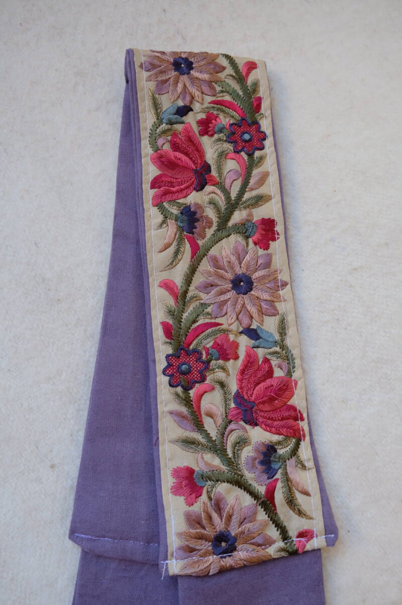 embroidered belt no.17