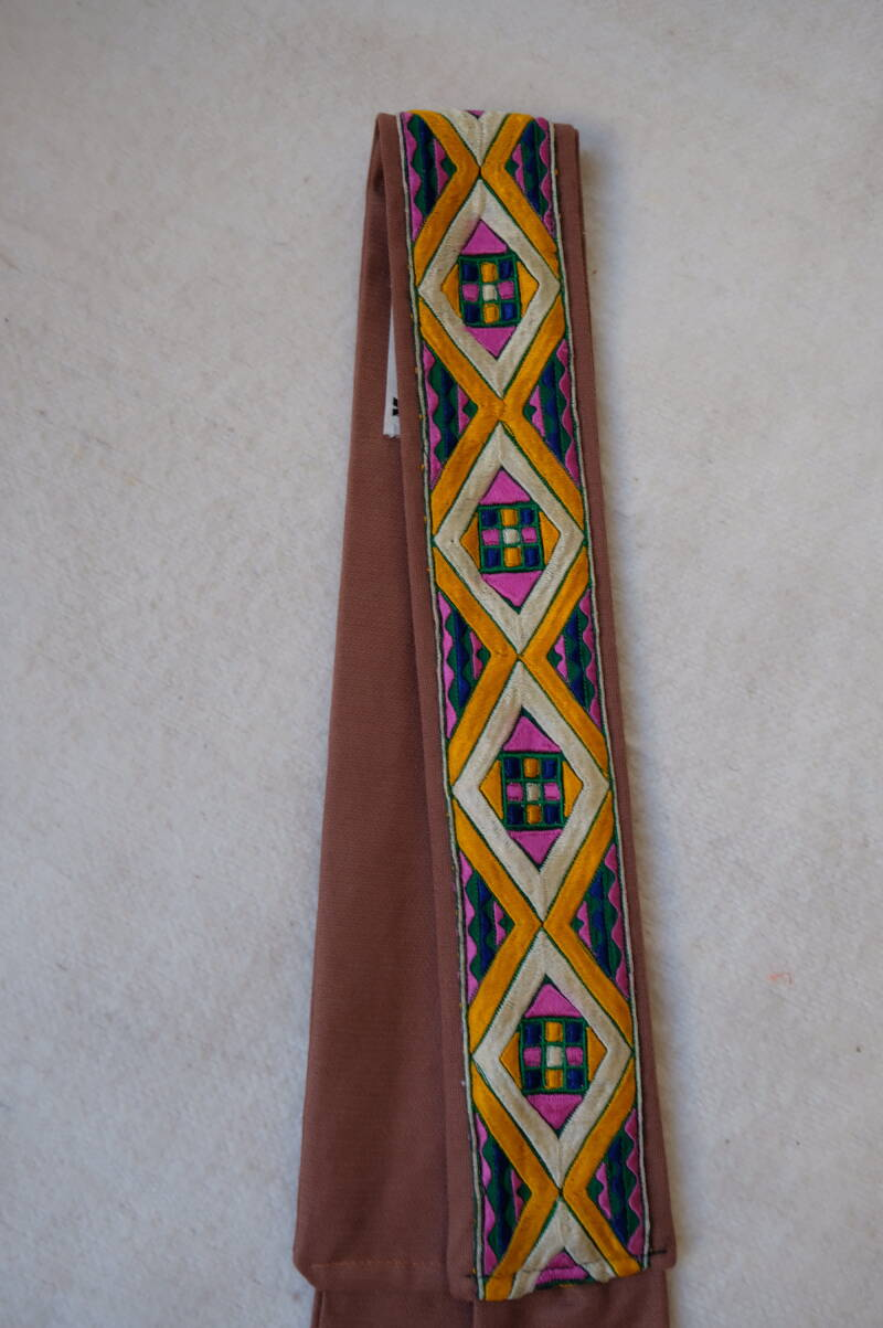 embroidered belt no.22