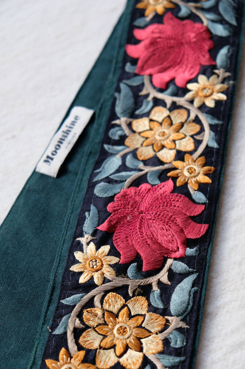 embroidered belt no.10